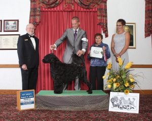 Hemi and his handler (Shea Skinner)posing with the 2015 PWDCA Top Twenty Event judges.